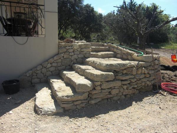Terre et passion am nagement entretien espace for Escalier de jardin en pierre